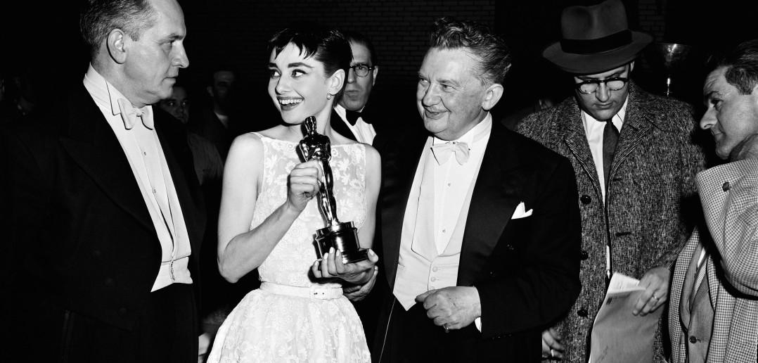 Audrey Hepburn Wins Oscar
