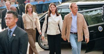 FIRST DAUGHTER, Margaret Colin, Katie Holmes, Michael Keaton, 2004, TM & Copyright (c) 20th Century Fox Film Corp. All rights reserved.