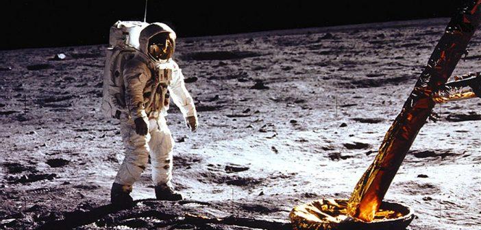 2610. Apollo 11 (2019)
